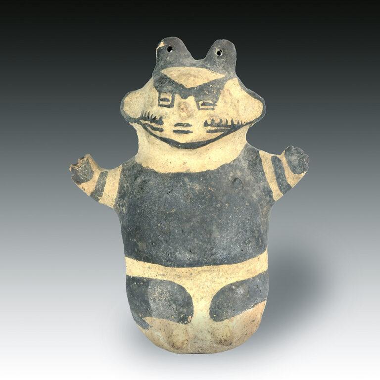 A fine Chancay figure