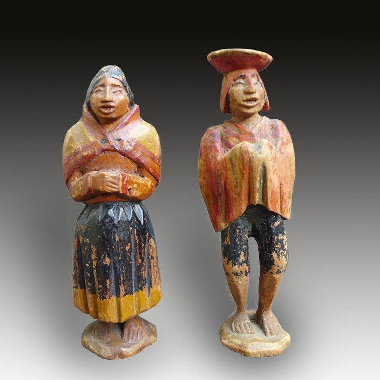 Mayan statue of a couple