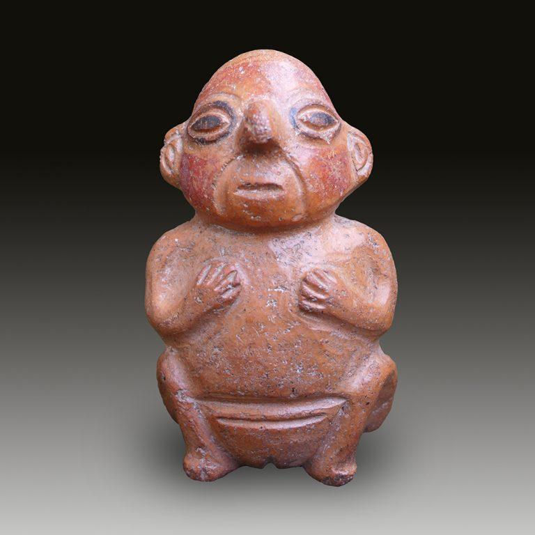 A Huari/Wari sitting figure